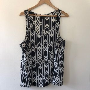 Forever 21+ Black & White Shell - 2X